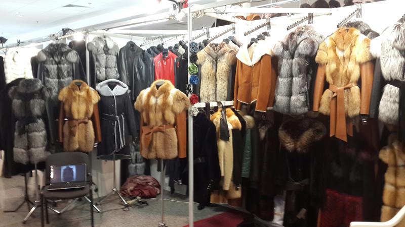 Дубленки в ТЯК Москва на рынке в Люблино