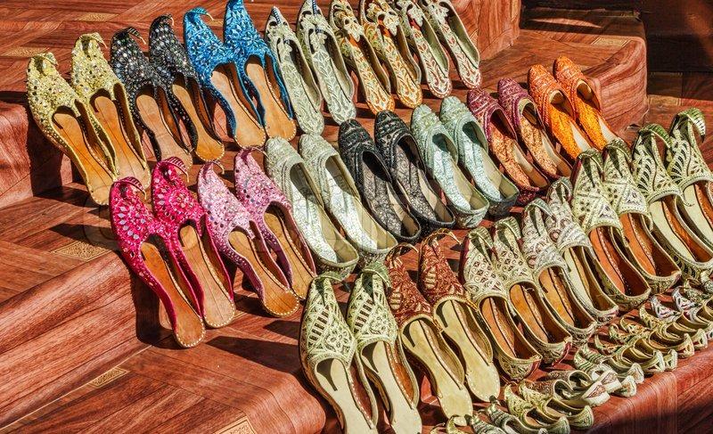 Туфли на рынке на Люблино в Москве (ТЯК Москва)