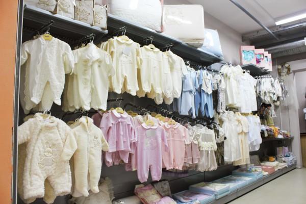 Одежда для новорожденных на рынке в Люблино